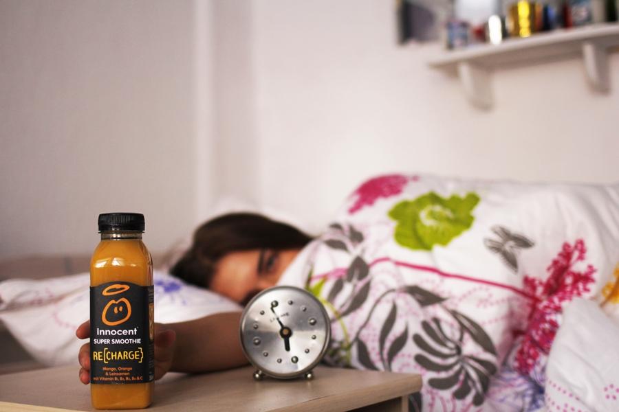 organge smoothie bett schlafen