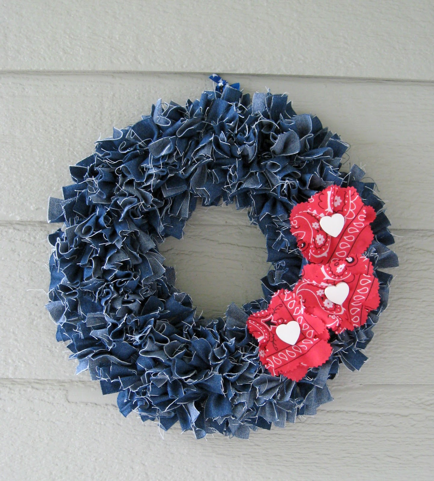Denim Rags Wreath Tutorial By A Fish Who Likes Flowers