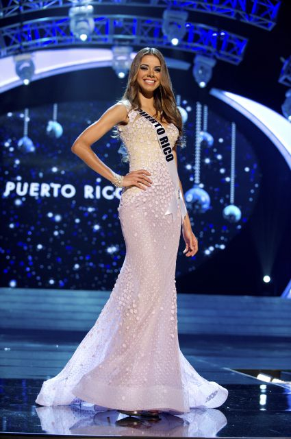 32bb29f87ea5 Miss Puerto Rico Bodine Koehler: I thought this blush/light pink  fit-to-flare gown was beautiful. Again: No too-high slit, nothing too  HOOCHIE, ...