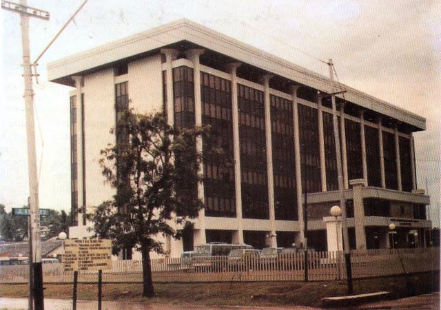 Kantor Gubernur Kalimantan Timur pra renovasi, Samarinda 1990an