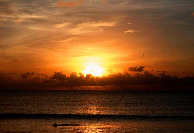 Pantai Kuta Tempat Wisata Terbaik di Bali