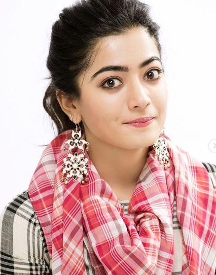 Actress Rashmika Mandanna Biography, Age, Height, Caste, Wiki, Career, Husband, Family, Movies List and Bio-data