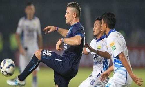 http://wa-emief.blogspot.com/2017/03/pemain-sepakbola-dengan-gaji-terendah.html