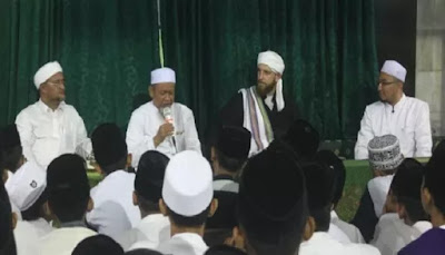 Terpesona dengan Akhlakul Karimah Seorang Muslim, Pria Inggris Ini Masuk Islam