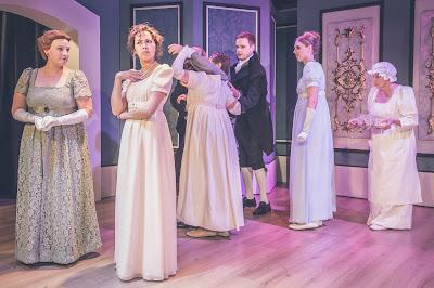 Tanssiaiset: Kaarina-Teatteri, Ylpeys ja ennakkoluulo