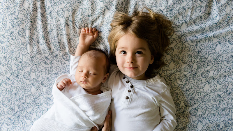 Little Baby and His Sister HD