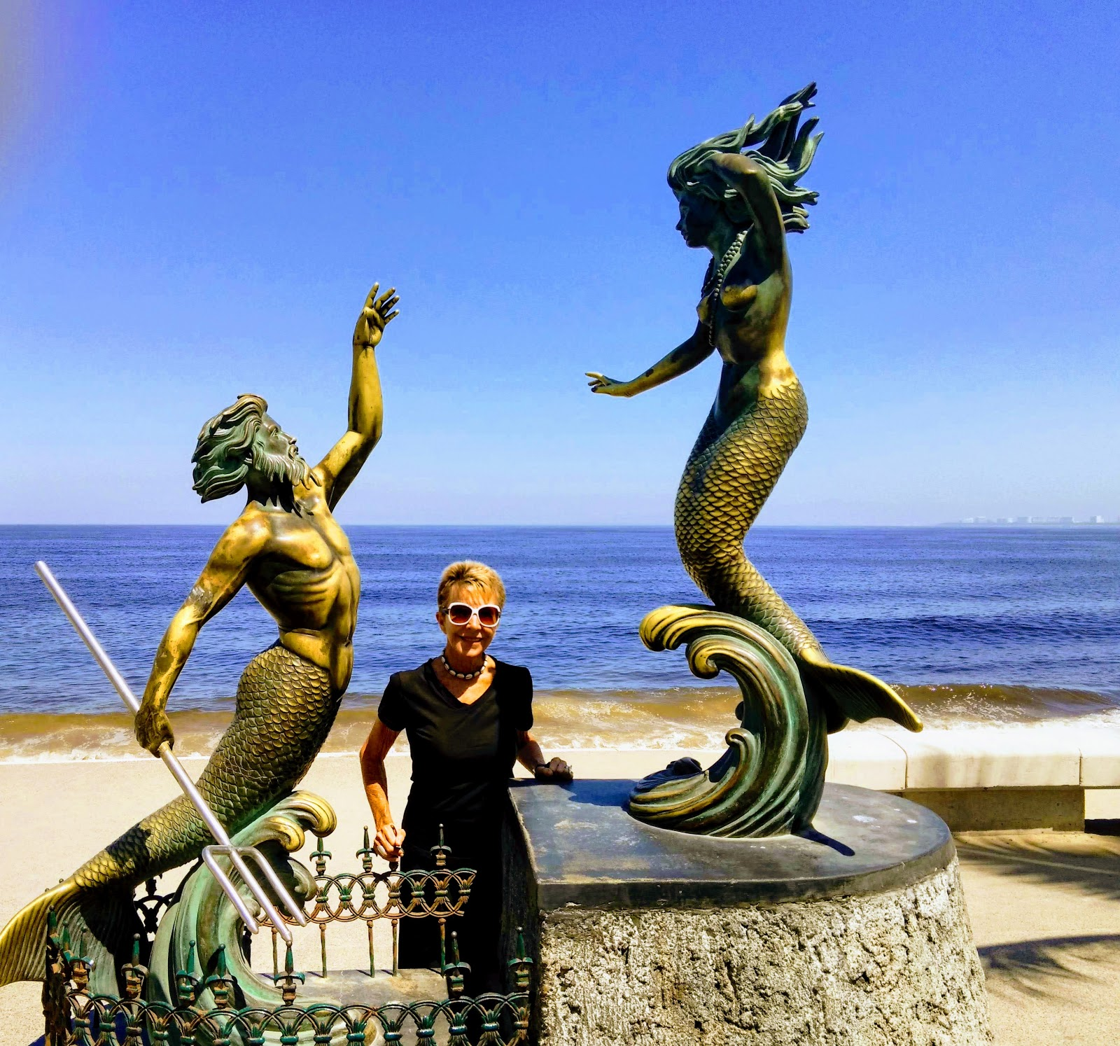 Mexico And Beyond Laura S Photo Journey Puerto Vallarta The Sculptures Of The Malecon