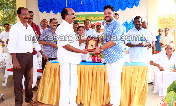 Kerala, Chalanam, Contractor felicitated, Fund, E.Chandrasekharan.