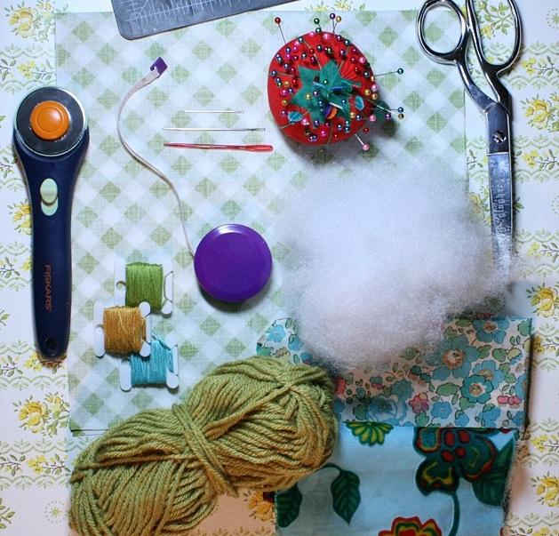 поделки, поделки своими руками, поделки на Хэллоуин, украшения мягкие текстильные тыквы своими руками, как сделать тыкву из ткани своими руками мастер-класс, тыквы из ткани идеи, красивые тыквы из ткани фото, как сшить тыкву из ткани, как сшить подушку в виде тыквы, как сшить игольницу в виде тыквы своими руками, простой мастер-класс по изготовлению текстильной тыквы, тыквы из текстиля идеи, красивые тыквы из текстиля фото, красивые тыквы из разных материалов, как легко сшить тыкву мастер-класс, из чего можно сделать тыку, красивые игольницы из ткани, красивые диванные подушки, мягкая игрушка тыква мастер-класс, тыква в винтажном стиле, тыква в стиле шебби шик, тыква из трикотажа, как украсить текстильную тыкву идеи, тыквы для уклонения дома, осенний декор для дома в виде тыковок, оригинальные тыквы из текстиля, украшения для интерьера в виде тыквы, интерьерный декор на день Благодарения, интерьерный декор на праздник урожая, осенний декор, игольницы в виде овощей, подушки в виде овощей идеи, мастер-клааа по шитью тыквы, как сшить подушку тыкву мастер клас с пошаговым фото, как сшить игольницу пошаговый мастер-класс,на Хэллоуин, поделки на Хэллоуин, текстиль, тыква текстильная, тыквы, шитье, поделки из текстиля, тыквы своими руками, декор интерьерный, декор на Праздник урожая, декор осенний, овощи текстильные, подушки, игольницы, мастер-класс, из ткани, из текстиля, для интерьера, декор домашний, декор на праздник урожая,«Тыква» — декоративная подушка (МК) своими рукамиhttp://handmade.parafraz.space/