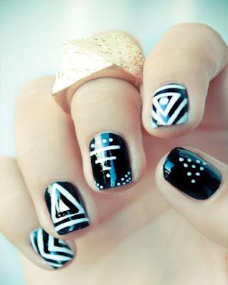 Diseño de uñas a RAYAS elegantes que no conoces
