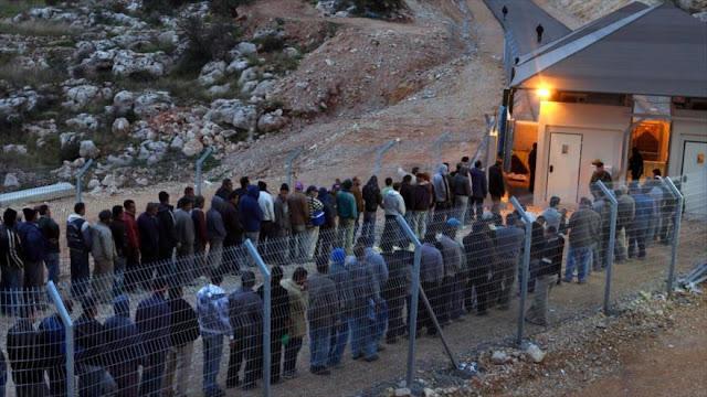 Israel detiene a 468 empleados palestinos en una redada racista