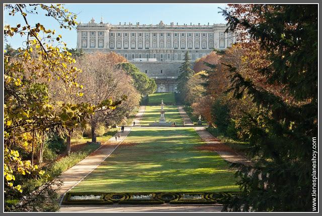 Palacio Real y Campo del Moro Madrid