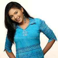 Tamil actress anjali latest photo