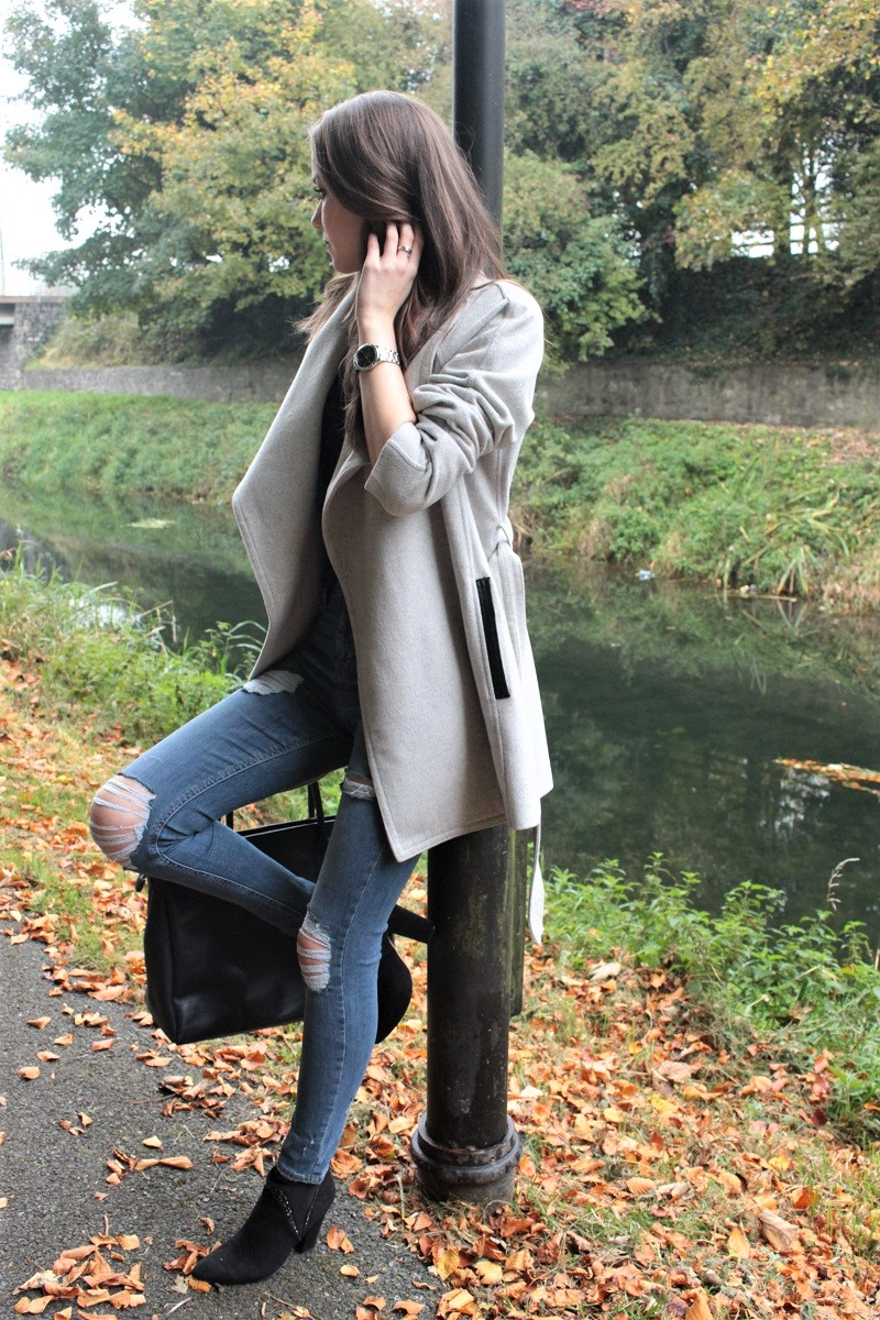 fall outfit, destroyed jeans, waterfall coat