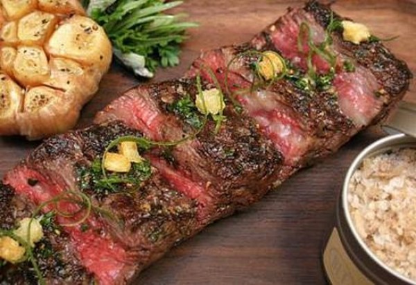 Craftsteak's Wagyu Ribey Steak adalah steak paling mahal di dunia