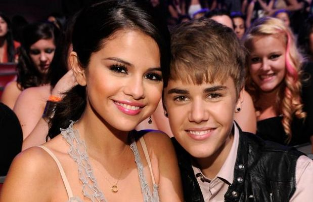 Selena Gomez Gave a catch off guard to Justin Bieber the dis track can riles him