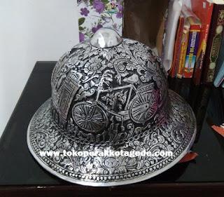 hanmade carved helmet,helm demang,helm ukir sepeda jawa