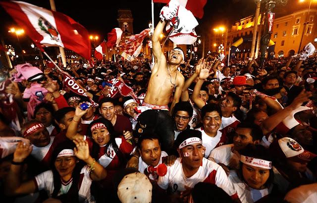 Selección peruana rinde homenaje al hincha peruano