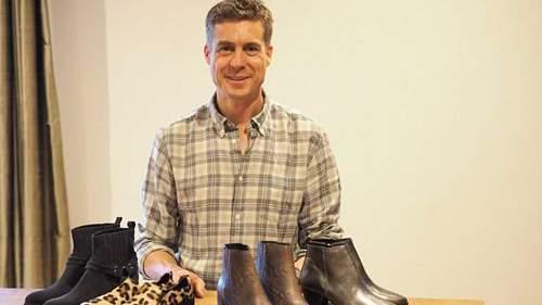 Người đàn ông khởi nghiệp ở tuổi 38 bằng những mẫu giày lạ và đắt - Ảnh 1