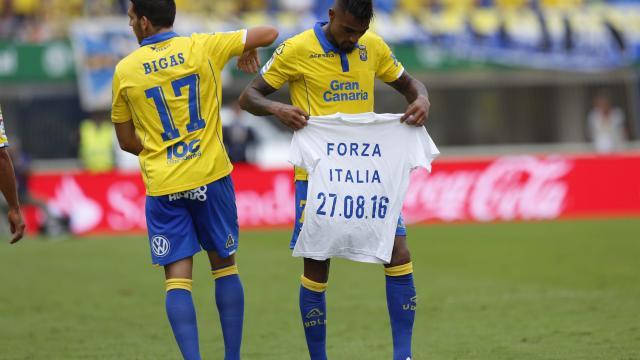 Boateng con su camiseta de Forza Italia