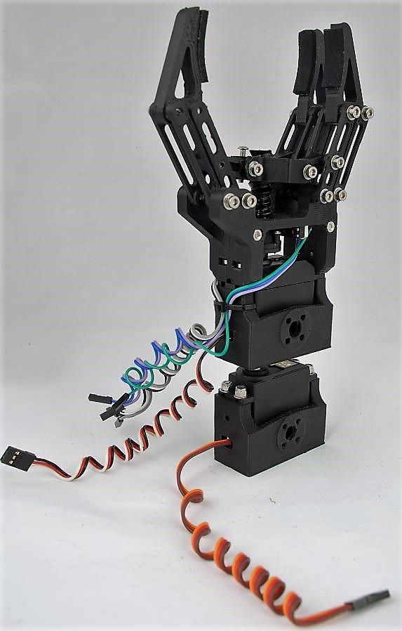 Andromina robot v robotic gripper and arduino
