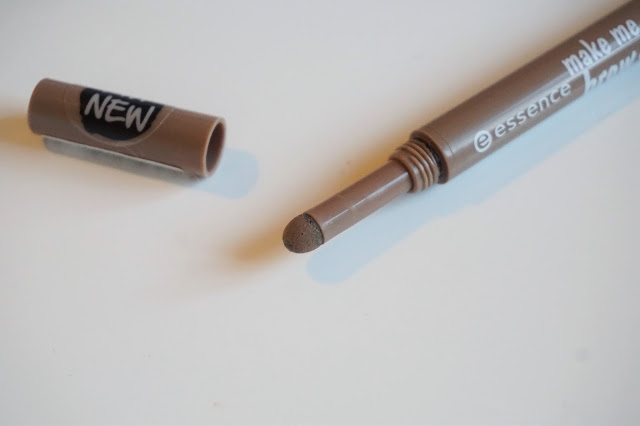 essence make me brow powder pen