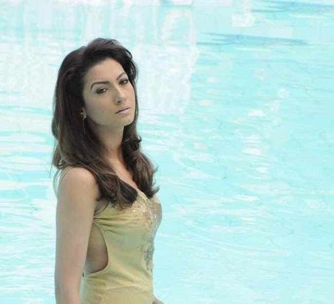 Gauhar Khan Latest Latest Imageshoot In A Swimming Pool