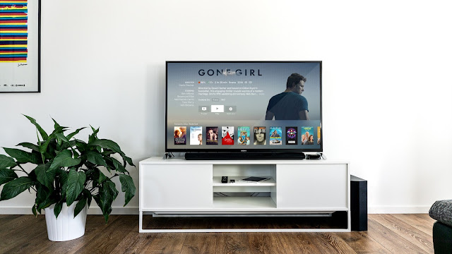 arranging a tv in a small living room