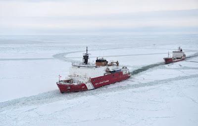 Kutub Utara diprediksi menyimpan cadangan minyak yang belum digali. Sumber foto: nsidc.org