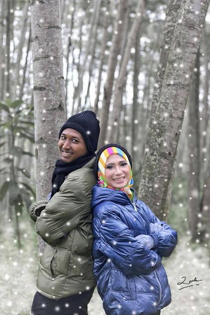Foto prewedding pemandangan alam pucak gunung