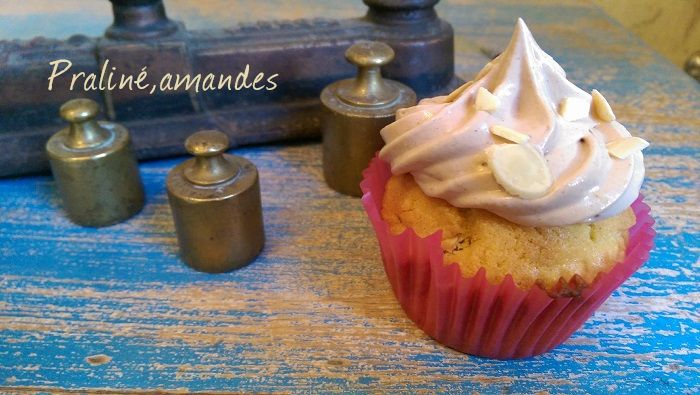 http://www.watercolorcake.fr/2016/08/cupcakes-praline-et-amande.html