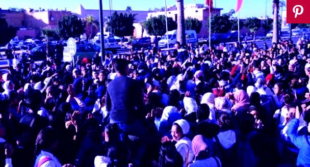 عااجل:تلاميذ أكادير يواصلون الإحتجاج ومقاطعة الدراسة، و الدائرة تتسع بالتحاق تلاميذ الاعدادي ومؤسسات أخرى بركب الإحتجاج (+صور).