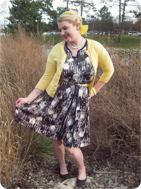 1960s nylon plus size vintage dress via Va-Voom Vintage