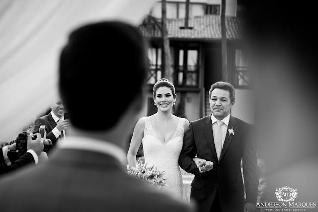 casamento real, destination wedding, mini wedding, cerimônia na praia, casamento ao ar livre, anderson marques, entrada da noiva, noiva e pai da noiva