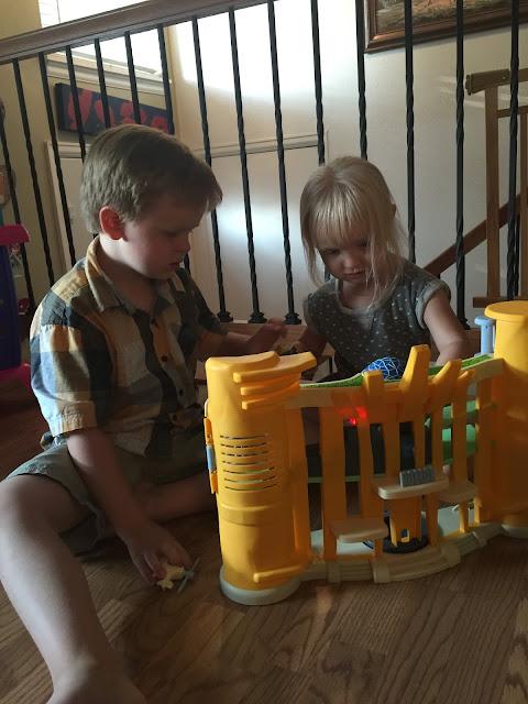 zootopia toys, zootopia police station, zootopia police station playset, zootopia playsets, zootopia toy, zootopia, toys for kids