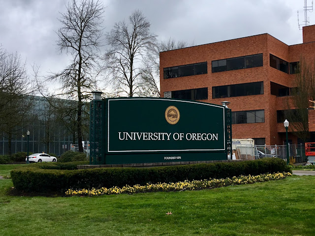 University of Oregon sign