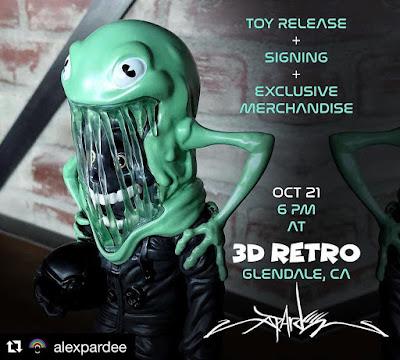 3DRetro Exclusive The Astronaut Darkness Edition Vinyl Figure by Alex Pardee x ToyQube