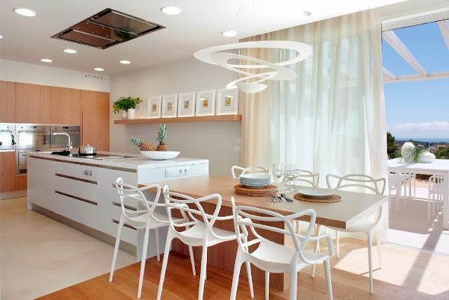cocina de diseño con isla de cocción