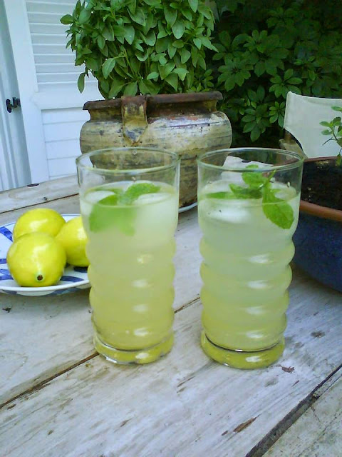 Keeping cool in a red hot Greek summer Homemade lemonade
