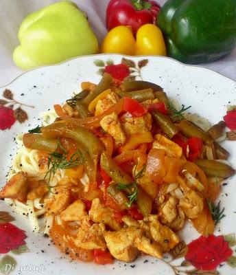 Gulasz z kurczaka po meksykańsku