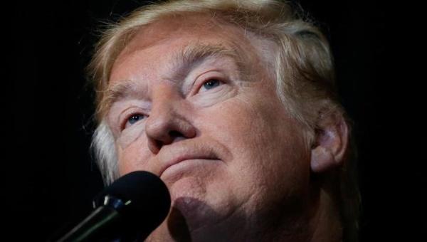 """EE.UU.: Trump califica de """"estafa"""" el recuento de votos"""