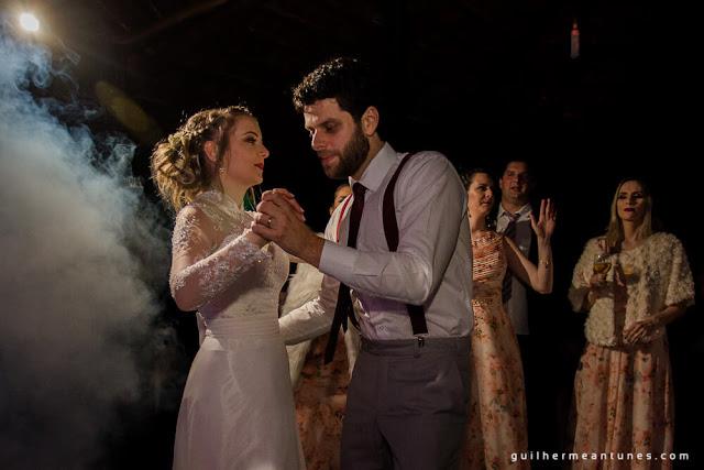 casamento real, eloiza e renato, pista de dança, noivos dançando
