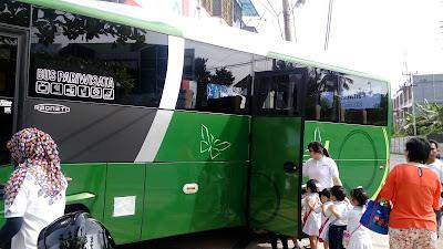 bus pariwisata 1045