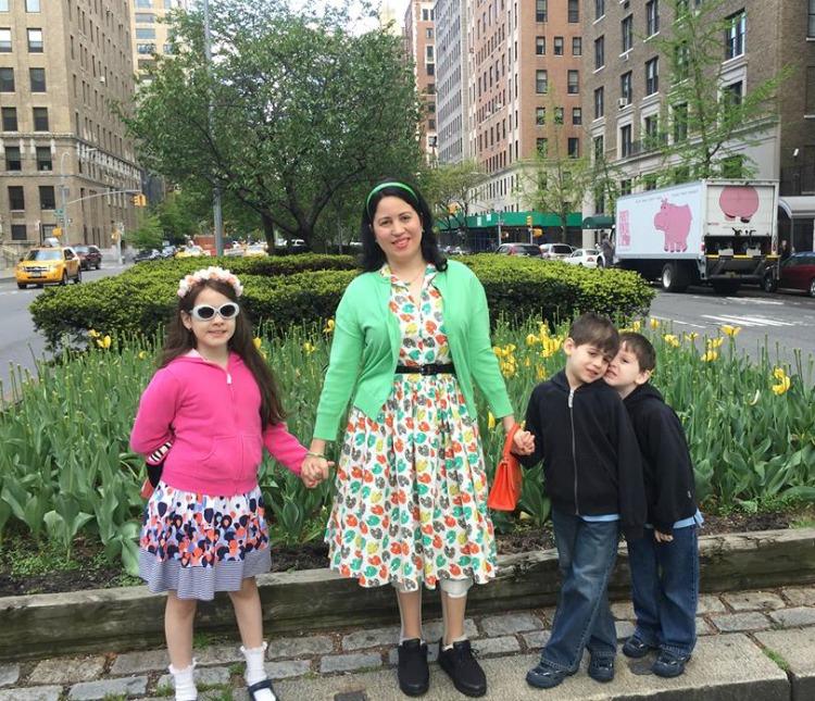 A Vintage Nerd Vintage Mom Life in NY Vintage Lifestyle Bernie Dexter Art Dress
