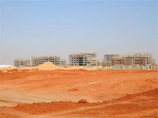 """وزير الإسكان: بدء تسليم أراضى الحاجزين بمشروع """"بيت الوطن"""" بالقاهرة الجديدة"""