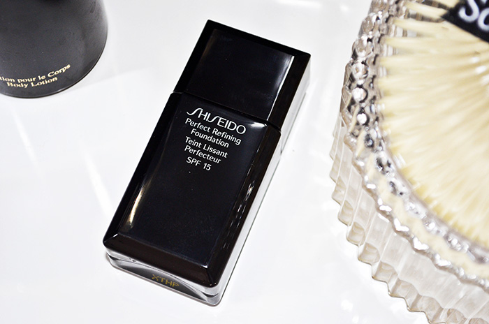make up my day shiseido perfect refining foundation spf. Black Bedroom Furniture Sets. Home Design Ideas