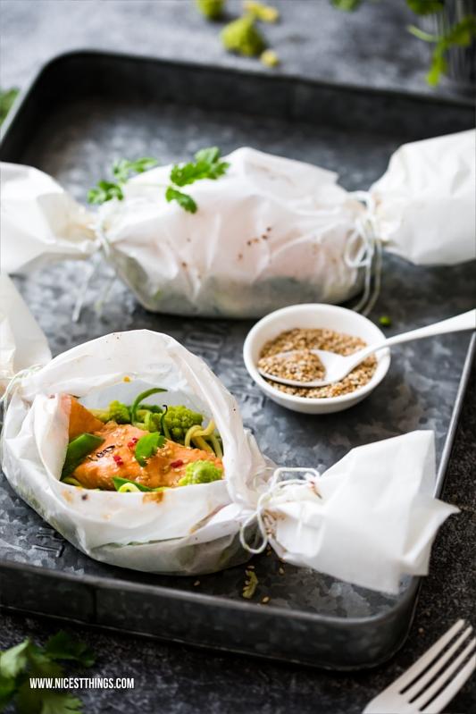 Rezept für asiatische Teriyaki Lachspäckchen aus dem Backofen
