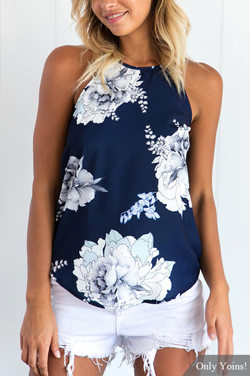 """""""Causal Style"""" floral top That Never Goes Out of Fashion"""