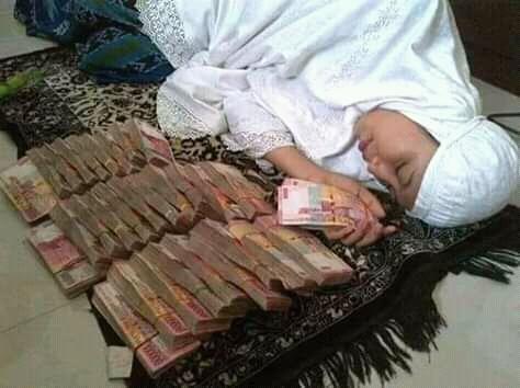 Kisah Istri Sholehah dan Uang 150 Juta
