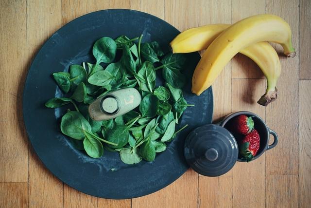 Εποχικότητα φρούτων & λαχανικών: Τα φρούτα και τα λαχανικά του Ιανουαρίου σε έναν εύχρηστο οδηγό που μπορείς να εκτυπώσεις και να κολλήσεις στο ψυγείο σου